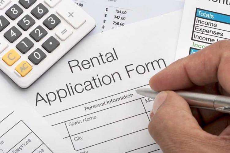 Uber driver renting apartment